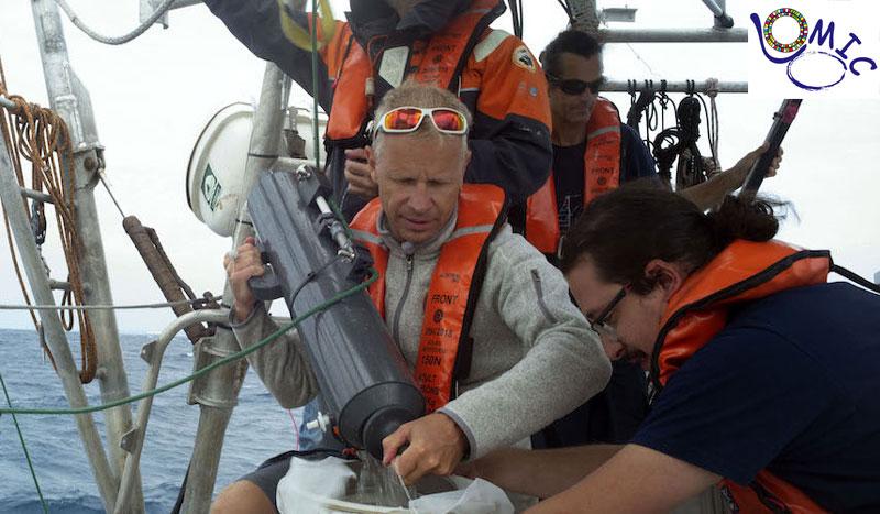 Prélèvements en mer à bord de la goélette TARA